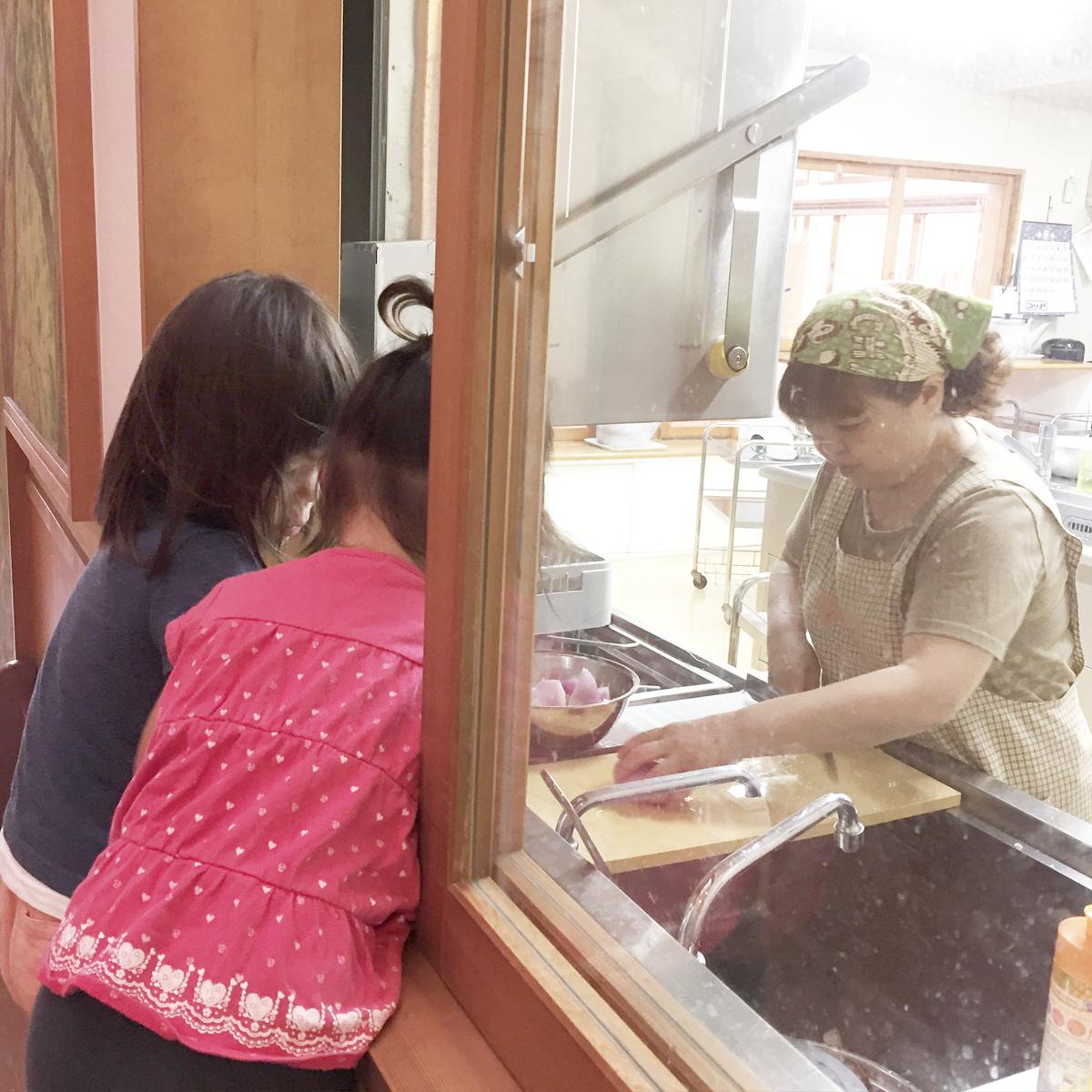 所沢市のあかね保育園の給食室の画像