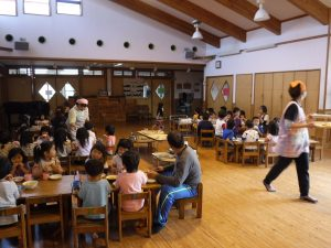 所沢市にある、あかね保育園の4月の誕生会の画像