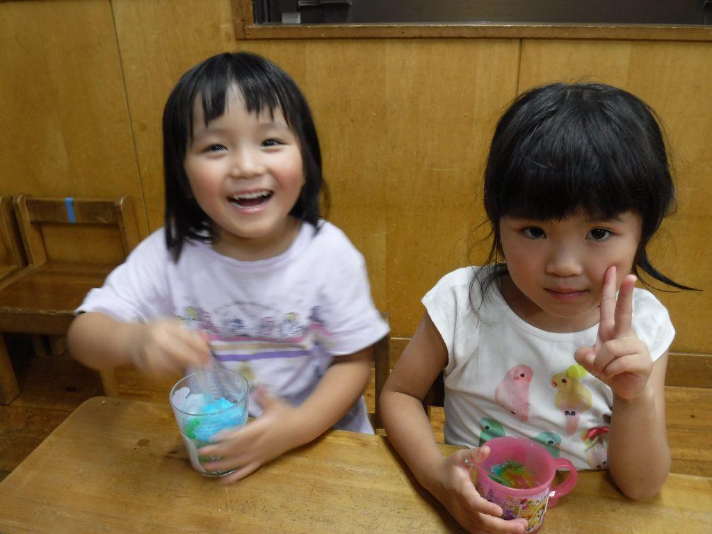 所沢市にあるあかね保育園の年中組こぶしさんが夜八時まで保育園で楽しいことをするお楽しみ会の画像